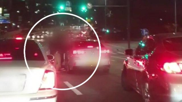 영상으로 확인된 택시기사 무차별 폭행...만취 50대 체포 / YTN