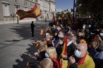 Pitos y abucheos a Pedro Sánchez y Pablo Iglesias en la Fiesta Nacional