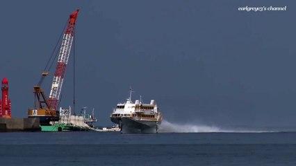 L'hydroptère Boeing 929 navigue en équilibre hors de l'eau !
