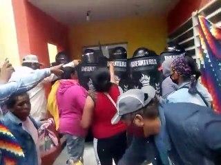 Disturbios en la Municipalidad de Miraflores: un policía y un periodista heridos