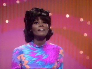 Dionne Warwick - This Girl's In Love With You