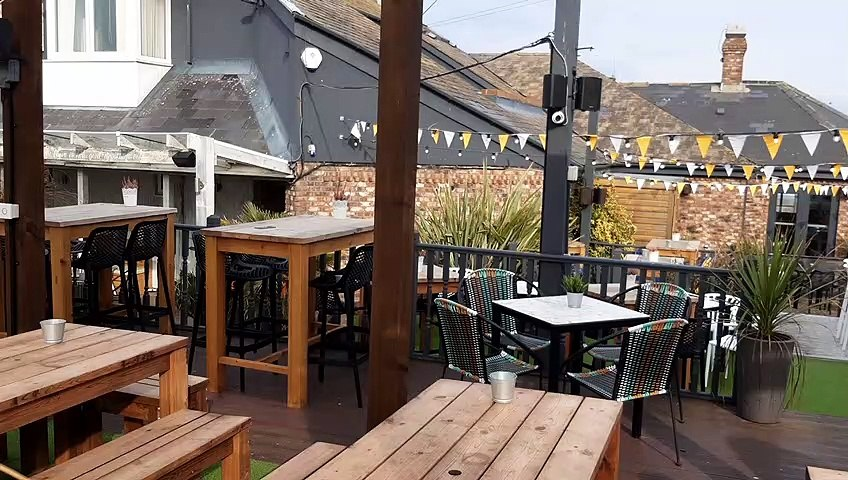 Police issue apology to drinkers wrongly fined under coronavirus laws after meeting in South Shields pub garden
