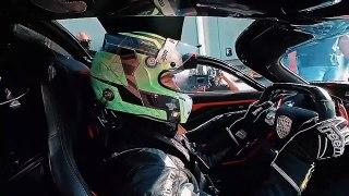 532,8 kmh. Voici la voiture de série la plus rapide du monde :  SSC Tuatara