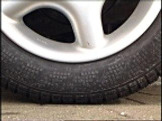 """SUV trop polluants : Le collectif écologiste """"La Ronce"""" dégonfle des pneus"""