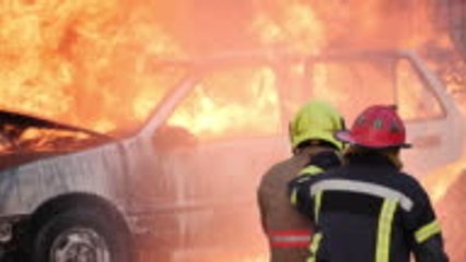 Pourquoi les pompiers redoutent-ils les voitures électriques ?