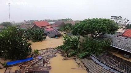 Inondations spectaculaires au Vietnam