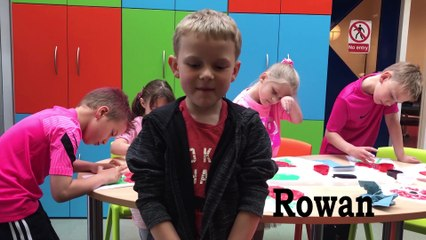 Tarleton  CP School pupils  painting poppies to put in their windows