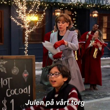 Dolly Parton's Christmas on The Square med Christine Baranski Trailer