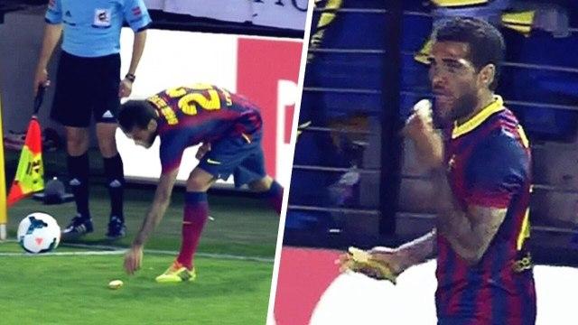 Le jour où Dani Alves a donné la réponse parfaite à des fans racistes | Oh My Goal