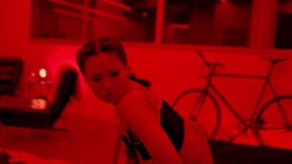 Chloe Tang - Hype