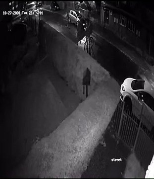 Watch horrifying moment group of teens set fire to car in Leeds arson attack