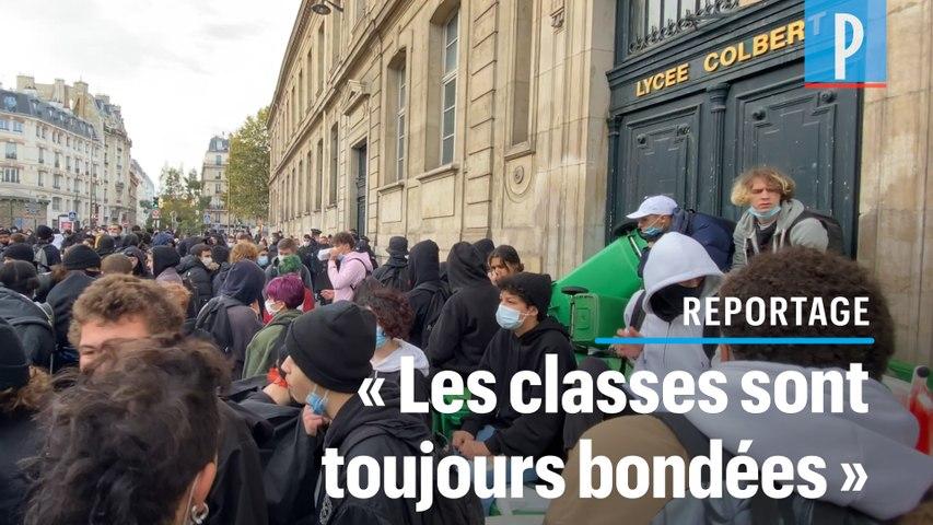A Paris, des lycées bloqués pour obtenir des mesures sanitaires plus strictes