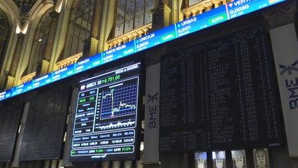 El Ibex 35 suma un 2,52 % y recupera el nivel de los 6.700
