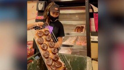 Saca a la luz la cantidad de comida que se tira al cerrar cada día un Dunkin Donuts