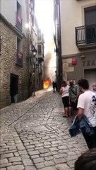 Un coche arde en el centro de Tafalla