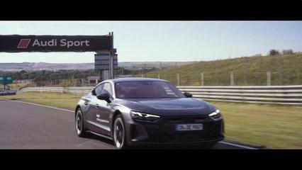 """El AUDI RS e-tron GT, protagonista del desafío """"Real Madrid e-tron GT Experience"""""""