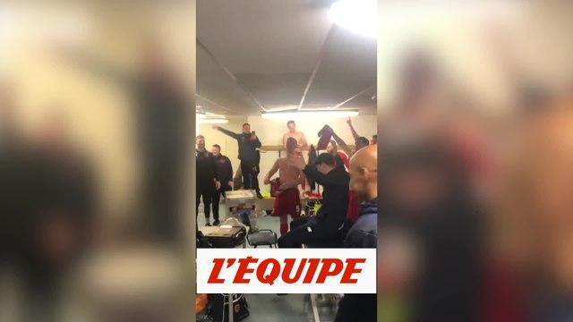 Les joueurs de Chorley célèbrent leur exploit avec une reprise d'Adèle - Foot - WTF - FA Cup