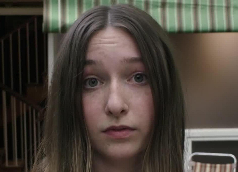 Girl Asleep trailer -  Trailer (English)