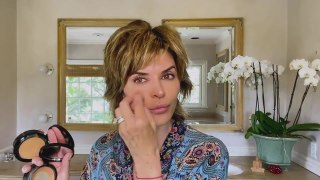 Lisa Rinna's Guide to Ageless Skin, a Classic Smoky Eye, and Her Signature Plush Lips