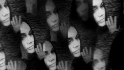 Emelie Hollow - Monster