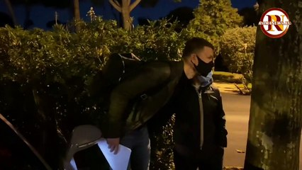Roma, Dzeko lascia Villa Stuart dopo la visita d'idoneità (23/11/2020)