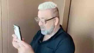 Sanjay Dutt सफेद बालों के साथ  दिखे नए लुक में,  दुबई में परिवार के साथ बिता रहे वक्त | FilmiBeat