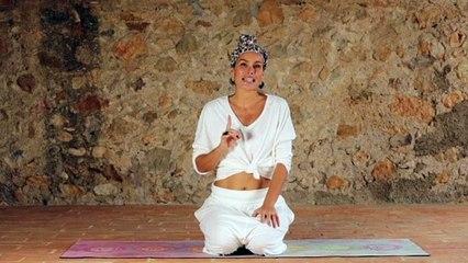 Postura de la Rueda para eliminar el estrés con Mireia Canalda
