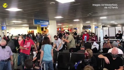 Malgré le Covid-19, les aéroports américains bondés à l'approche de Thanksgiving