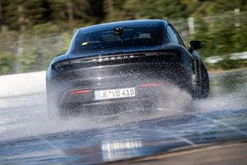 Record du Monde de drift pour la Porsche Taycan
