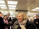 Marielle de Sarnez et F. Bayrou dans les rues de Paris