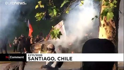 Hundreds protest in Chile demanding access to pensions