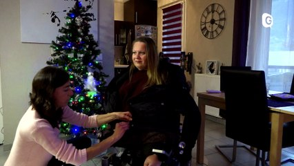 Reportage - Lourdement handicapée, Anne-Laure obtient son permis de conduire - Reportage - TéléGrenoble