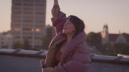 Sylvan Esso - Rooftop Dancing