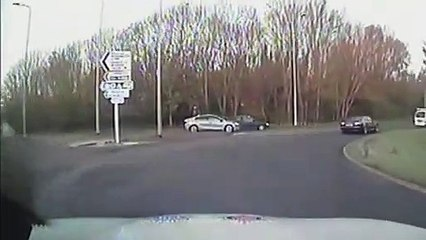Dangerous driver fails to stop in Bexhill, East Sussex. Video: Sussex Police