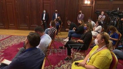 "RAMA E META ""LUFTE"" NE RRJETET SOCIALE, SHKEMBEJNE AKUZA - News, Lajme - Kanali 7"