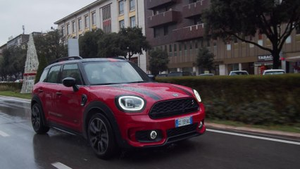With MINI Countryman in search of Christmas traditions
