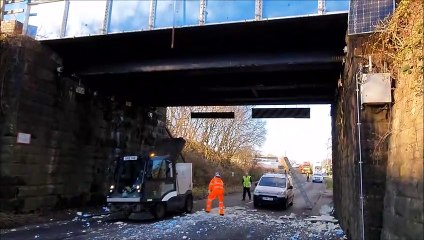 Asda lorry hits Camelon rail bridge road closed causingChristmas Eve traffic in and out of Falkirk