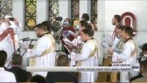 الكاثوليك يحتفلون بعيد الميلاد بإجراءات اح�
