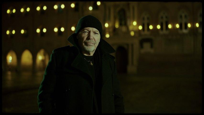Vasco Rossi - Una Canzone D'Amore Buttata Via