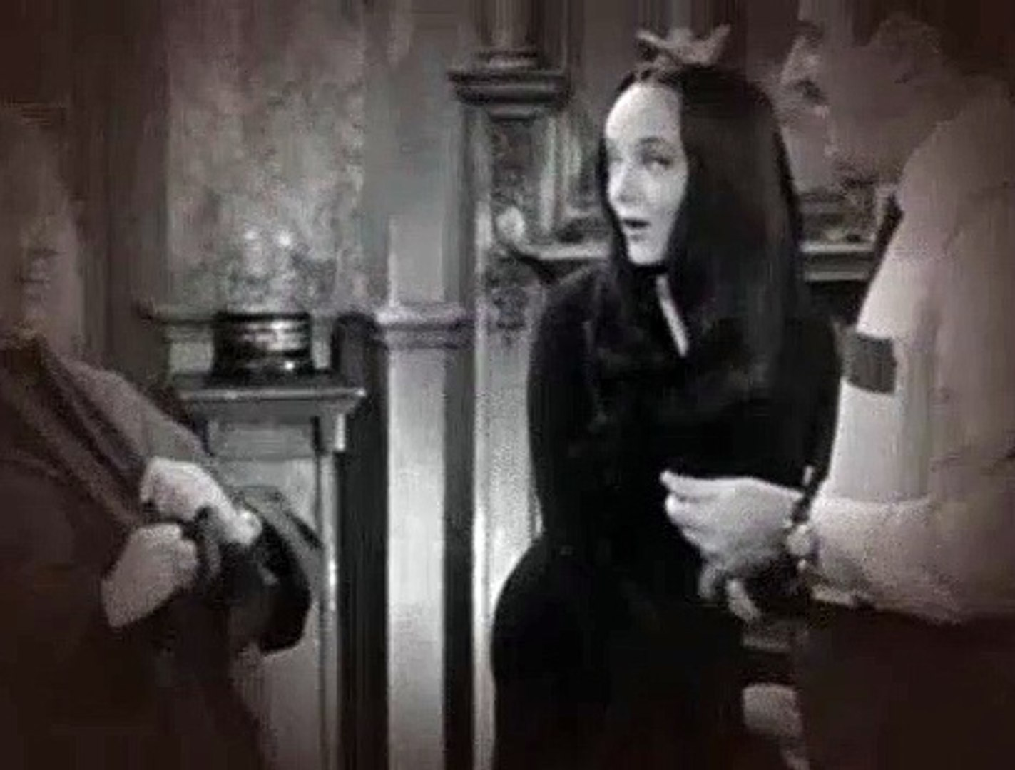 Addams Family S01E07 Halloween with the Addams Family