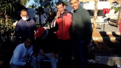 Ajwad avec  les joueurs de petanque