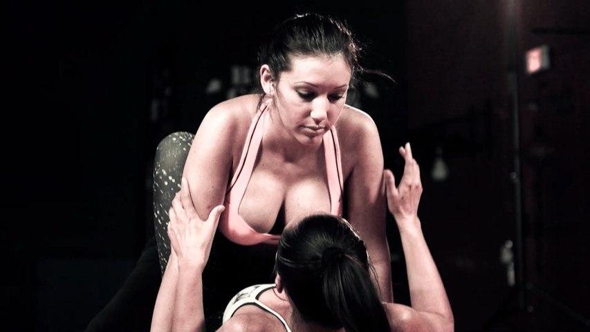Girls Can't Fight - Basic Positions for MMA (Cora Tahiti vs Amanda Newton) - The Annconda Choke