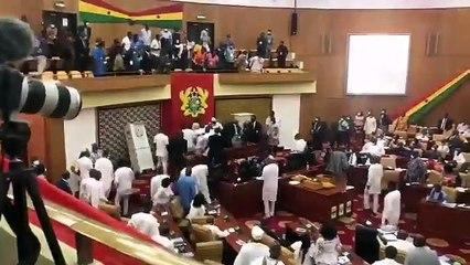 Ghana : bagarre de députés au parlement pendant le choix du président