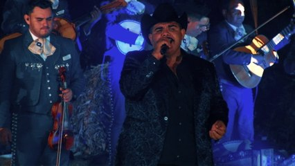 Chuy Lizárraga y Su Banda Tierra Sinaloense - No Discutamos