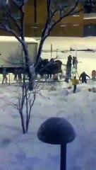 Roban un camión atrapado por la nieve