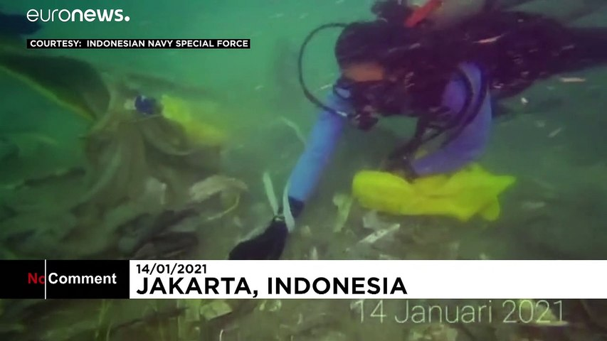 Indonesian navy divers find new debris from Sriwijaya Air jet