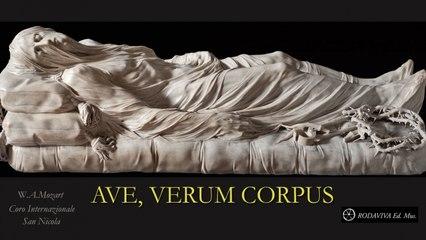 Coro Internazionale San Nicola - AVE, VERUM CORPUS - Mozart