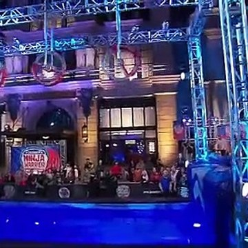 American Ninja Warrior Stephen Amell (Arrow - Oliver Queen) Completes the Course