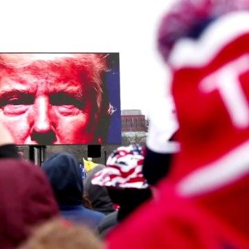 Republican senator wants Trump out
