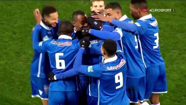 Le but de Bellugou pour l'ouverture du score d'Auxerre